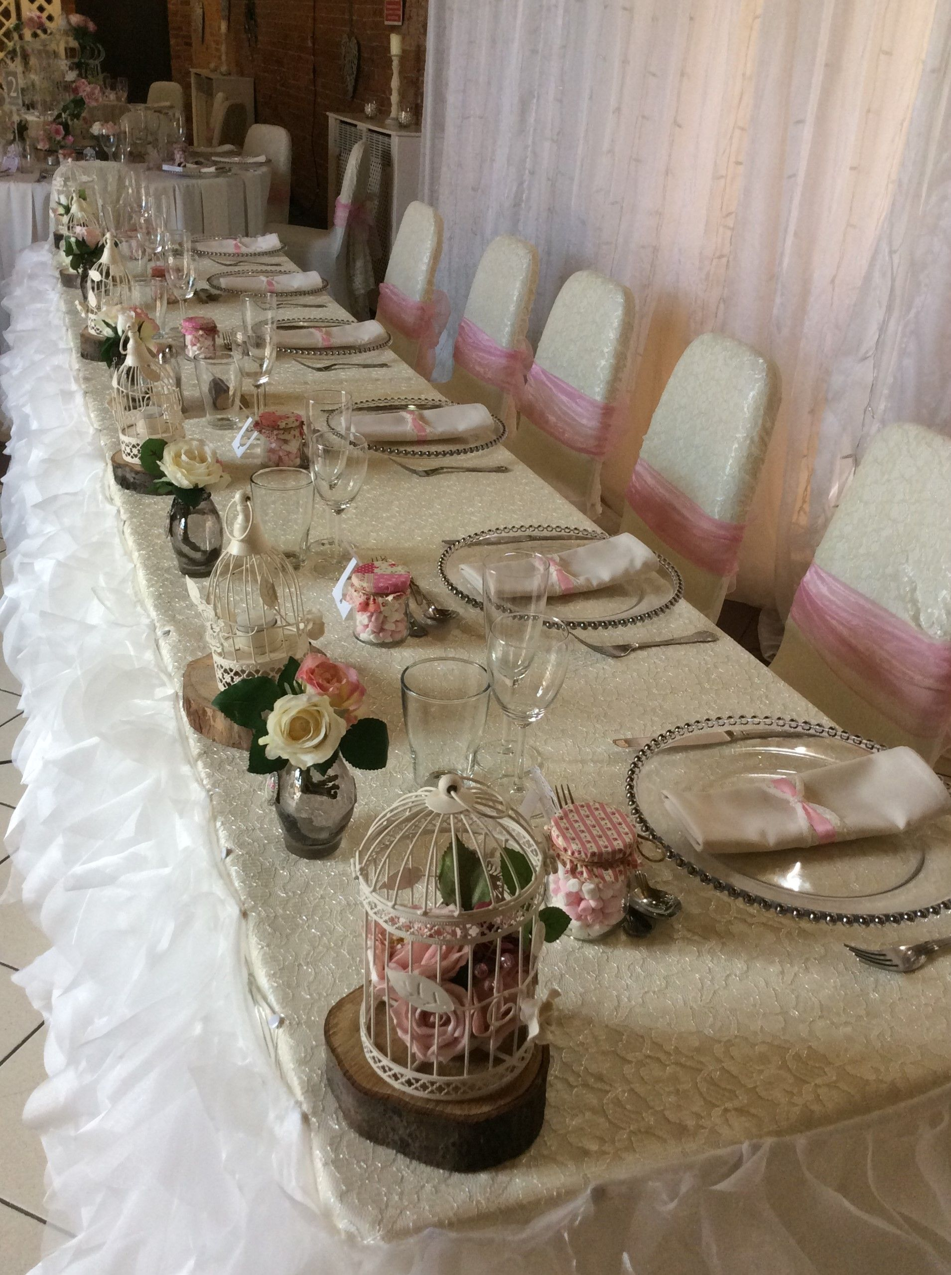 Top Table With Chiffon Frill Skirt, Lace Table Cloth And