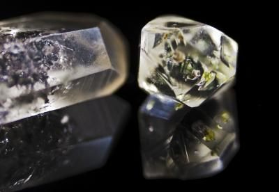 How To Tell If Quartz Crystals Are Real Types Of Crystals Crystals Quartz Crystal