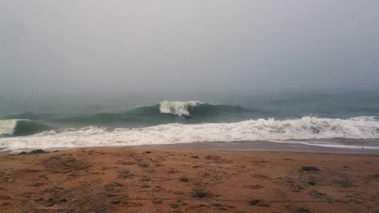 Fun Shorebreak Surf and Irakaundji Magic in Vilano Beach, Florida #grape #skim #skimboards #skimboard #grapeboards #grapeskimboards #surf #surfing #vilano #vilanobeach #florida #waves #christmassurf