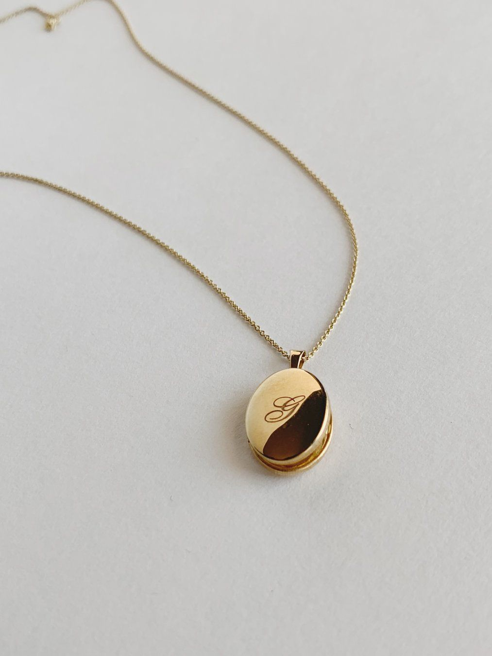 Maison Gold Oval Locket Necklace In 2020 Gold Locket Oval Locket Locket