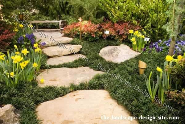 Enchanting Small Garden Landscape Ideas With Stepping Walk: Big Stepping Stone Garden Path
