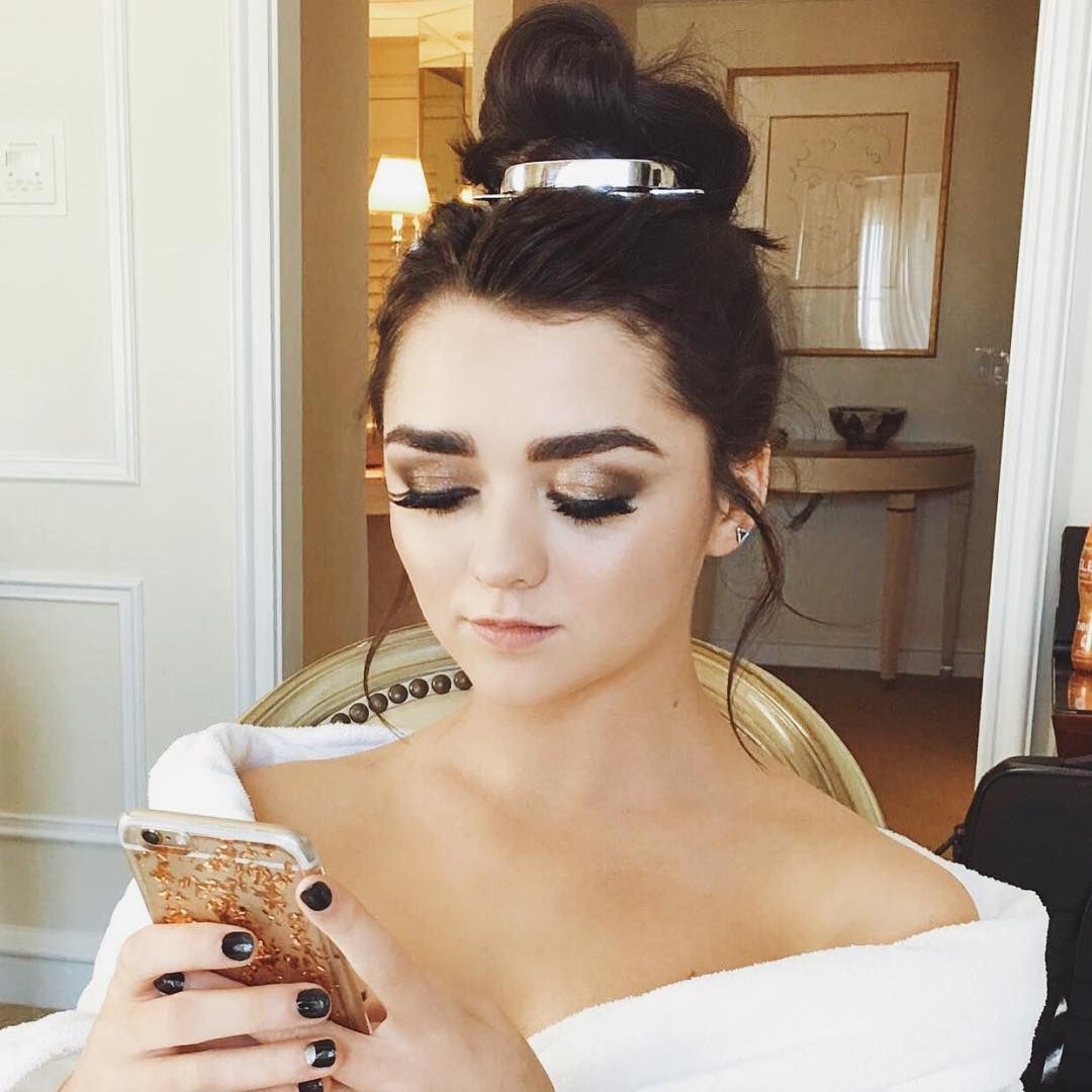 Is a cute Instagram Maisie Williams naked photo 2017