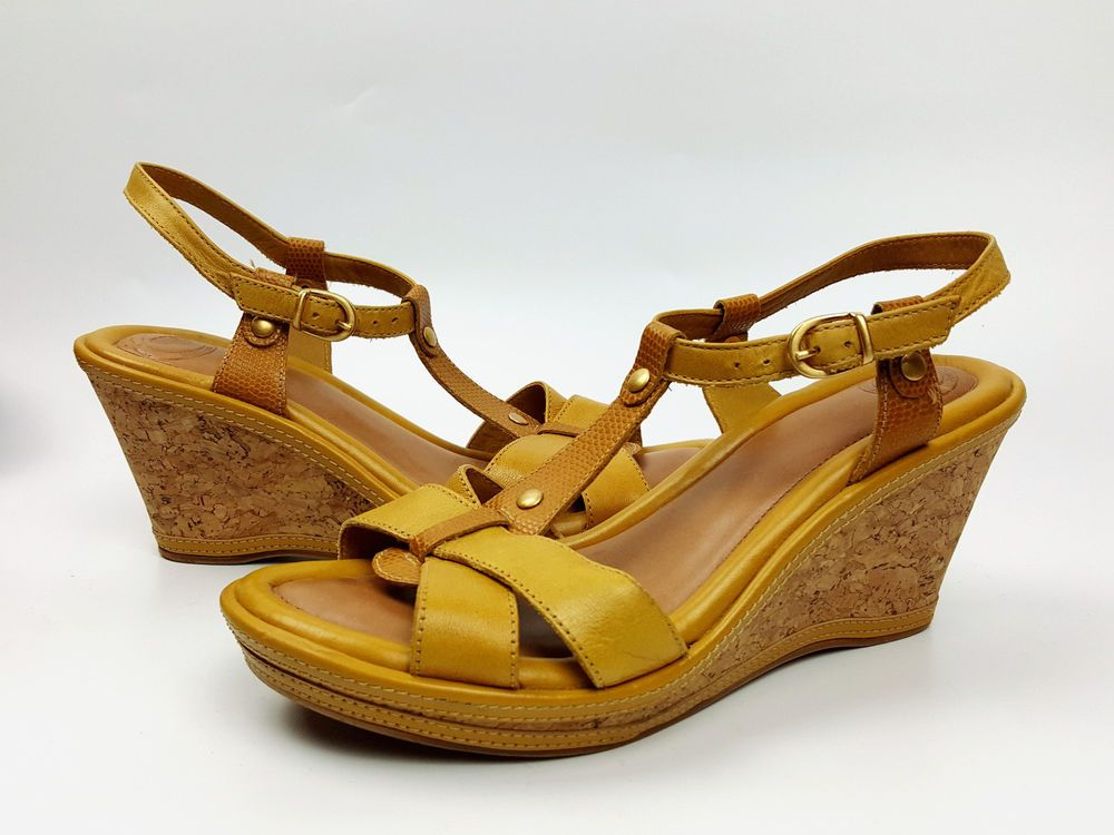 Nurture shoes 7.5 M goldenrod yellow