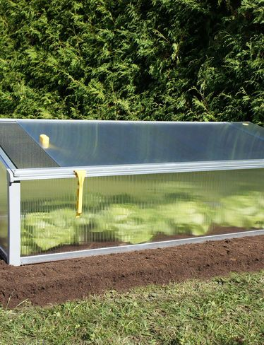 Juwel Cold Frame Bioprotect Year Round Cold Frame Gardeners Com Hochbeet Beete