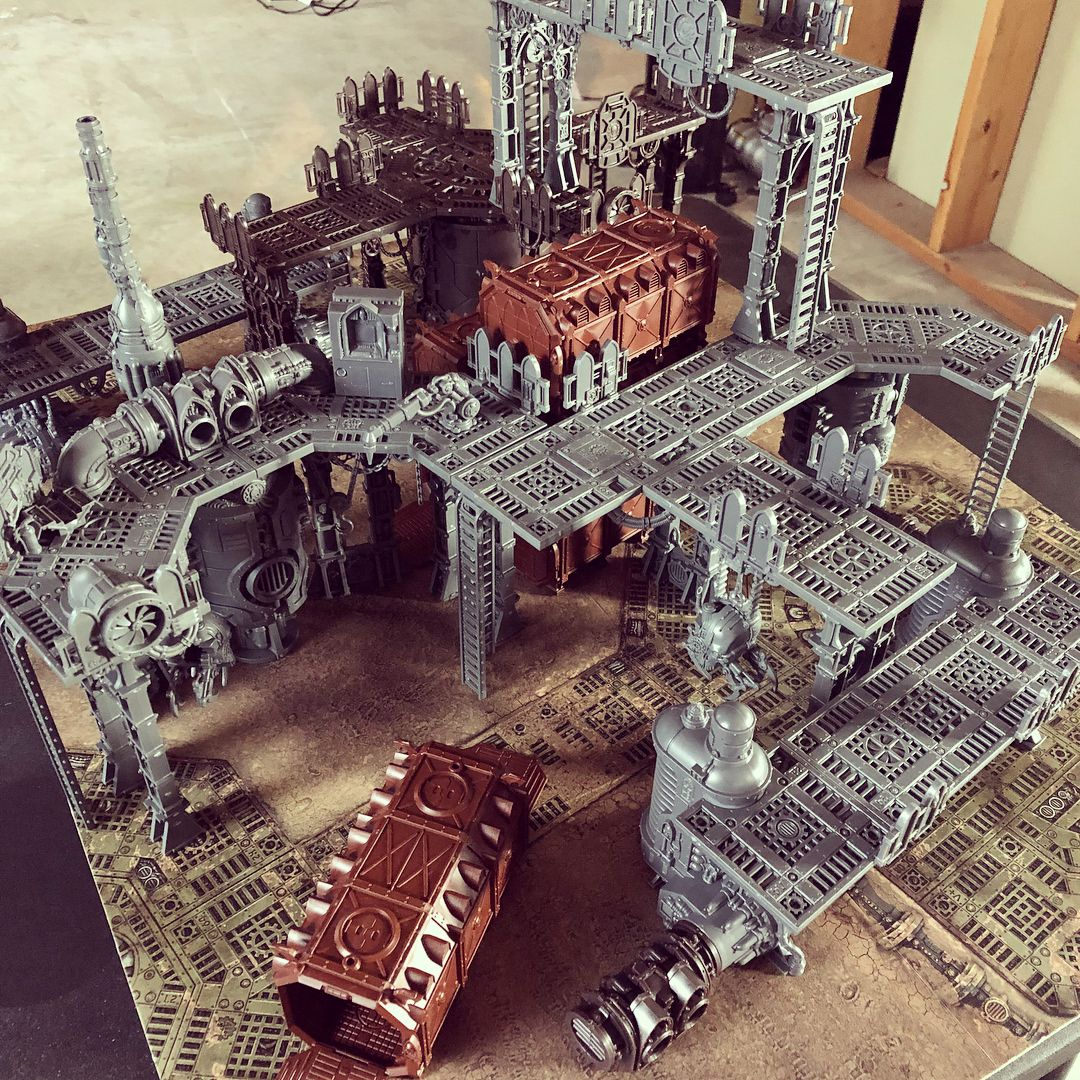 I got some of my Kill Team terrain assembled. Now I just