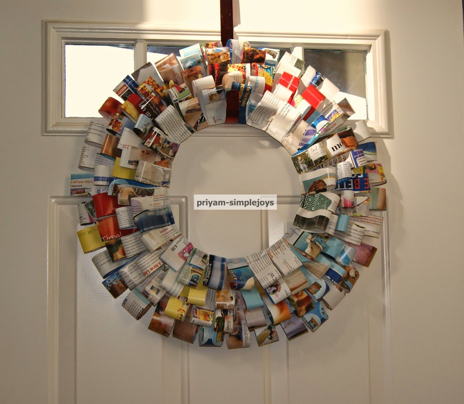 SimpleJoys: Magazine Wreath