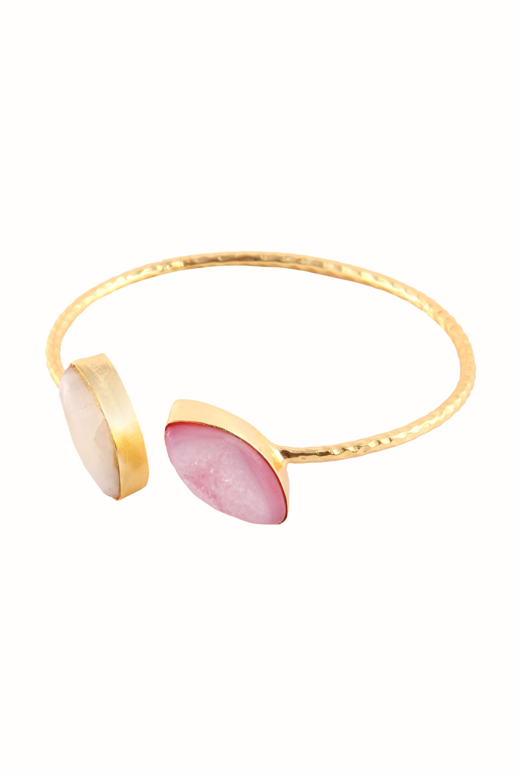 Simple bangle with natural stones.