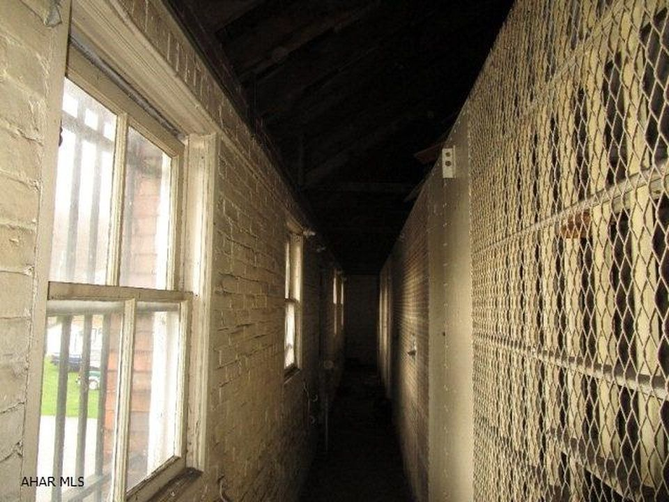 1895, Bedford County PA Jail abandoned and now for sale    Abandoned