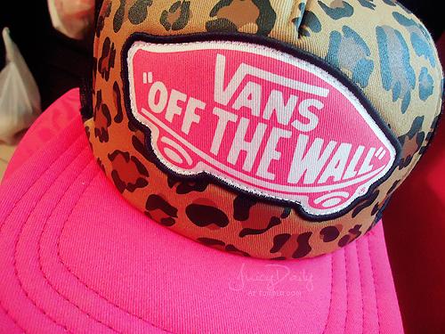 5e8ecd7bc Vans Beach Girl Trucker Hat   Accessories/Piercings/Tattoos   Vans ...