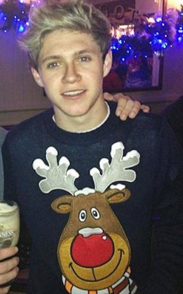 11 Celebrities In Awesome Christmas Sweaters Niall