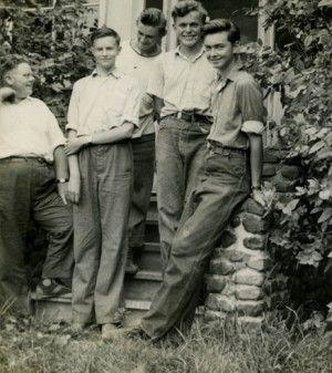 1940s Teenage Fashion For Boys And Young Men Fashion Teenage Boy Fashion Cuffed Denim Jeans