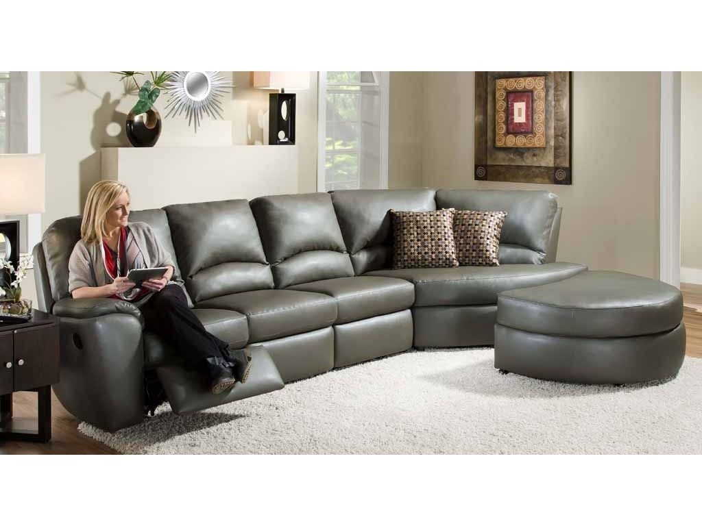 Southern Motion Living Room 825 Sectional Woodley S