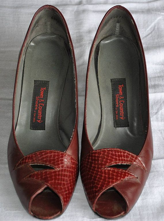 Vintage  Town&Country leather peep toe pumps 1970's Size