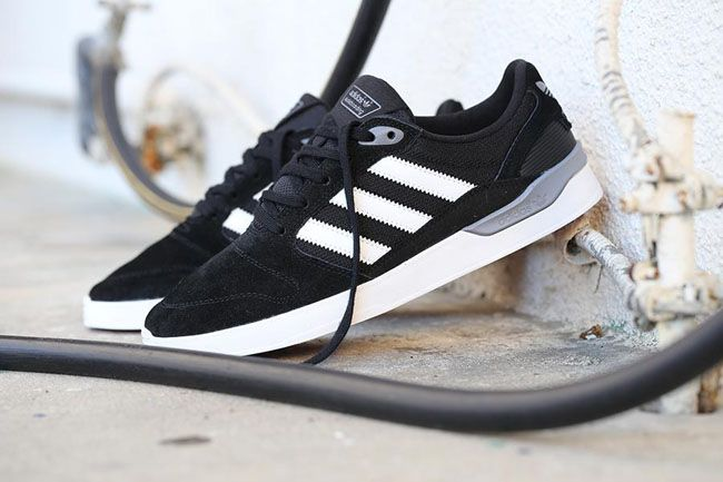 Adidas Zx Vulc Skateboarding- Black trainers