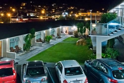 Picton Accommodation Gateway Motel Picton Just 100 metres from Picton Marina, Picton Accommodation Gateway Motel offers free Wi-Fi and free parking on site.  Each of the heated rooms offers a flat-screen TV with satellite channels, ironing facilities and an en suite bathroom.