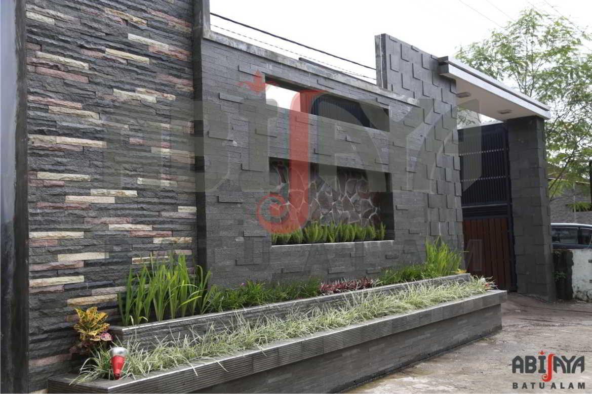 23 Model Desain Pagar Rumah Minimalis Batu Alam Unik Dan