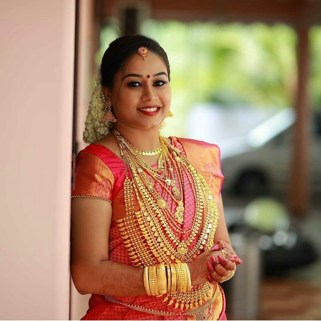 Kerala Bride Simple Hairstyle: Pin By Manojmanoharan On Kerala Bride