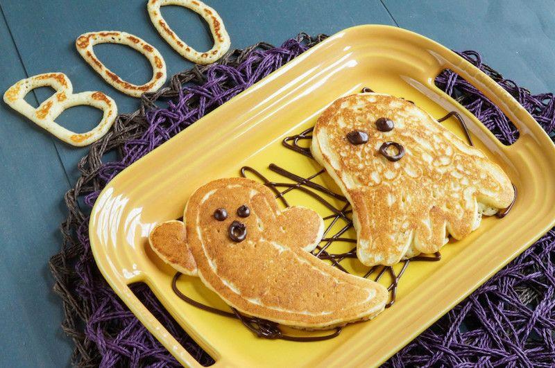 Fun Halloween breakfast ideas for kids: Ghost Pancakes at Tara's Multicultural Table #halloweenbreakfastforkids