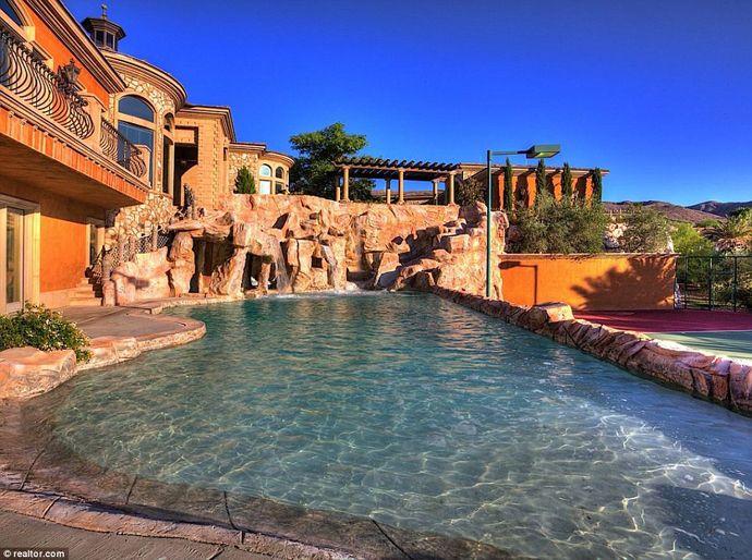 Water Park Mansion In Boulder City Nevada Usa Backyard Water Parks Park Homes Nevada Homes