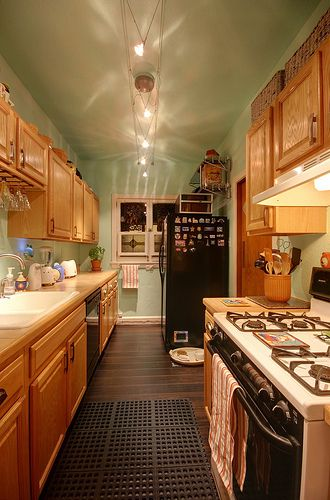 Kitchen Tour: Daniel\'s Cure-Inspired Project | Cocinas, Tablero y Ave