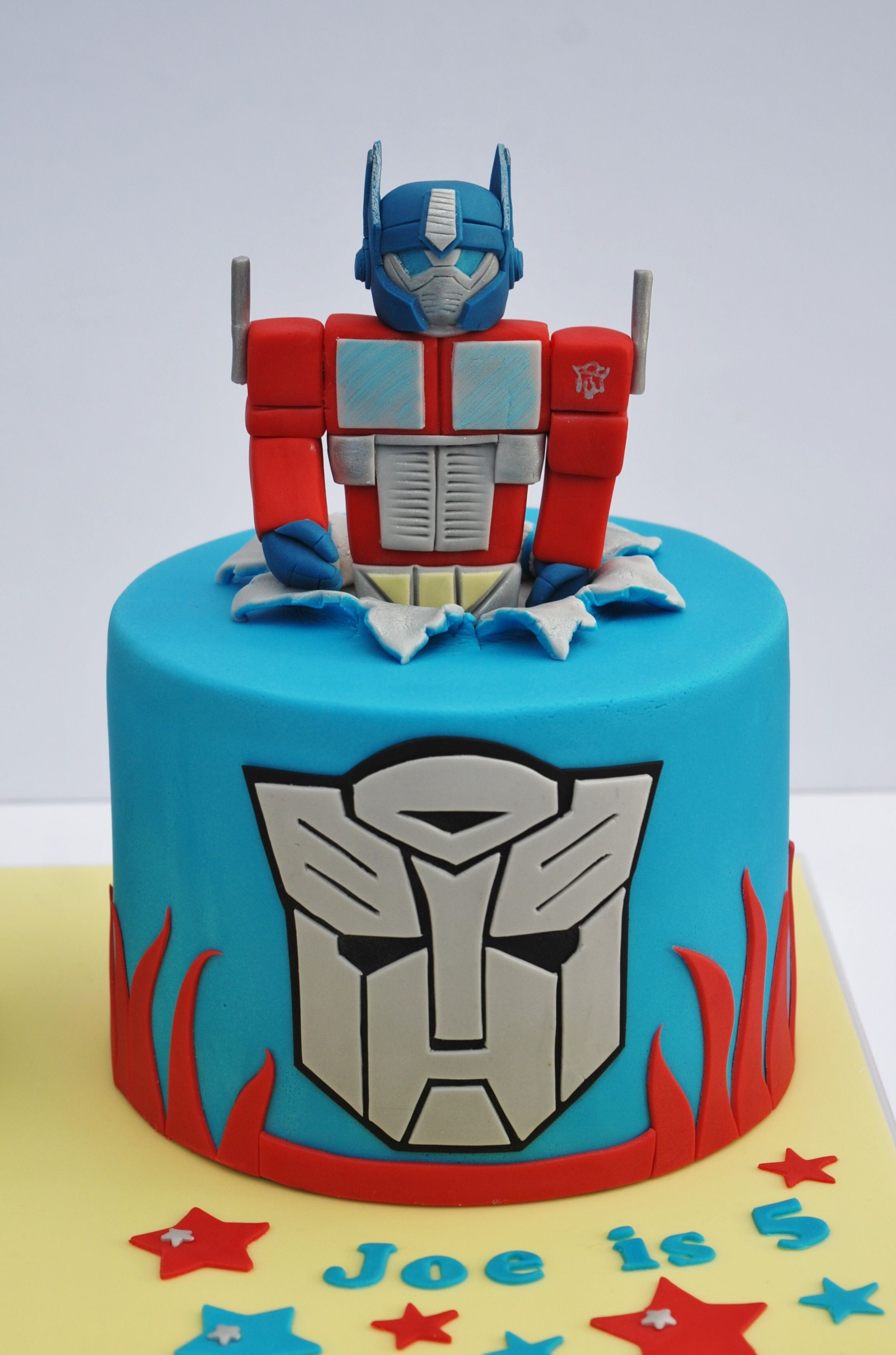 Strange Transformers Cake With Images Transformers Birthday Cake Funny Birthday Cards Online Alyptdamsfinfo