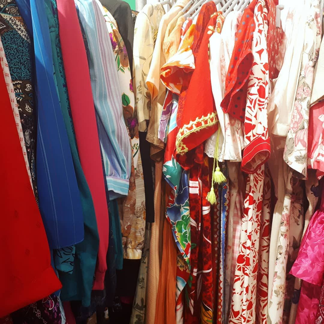 Off Into Birminghamuk For Another Vintage Shopping Tour Can T Wait To See What We Find Today What Are Y In 2020 Vintage Outfits Shopping Tour Online Collections