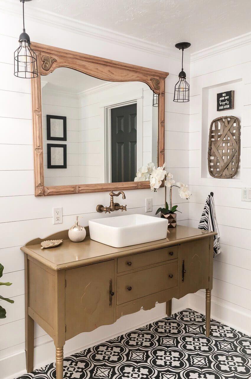 Primitive Wallpaper Border For Bathrooms Primitivebathrooms Bathroom Farmhouse Style Bathroom Styling Bathroom Design