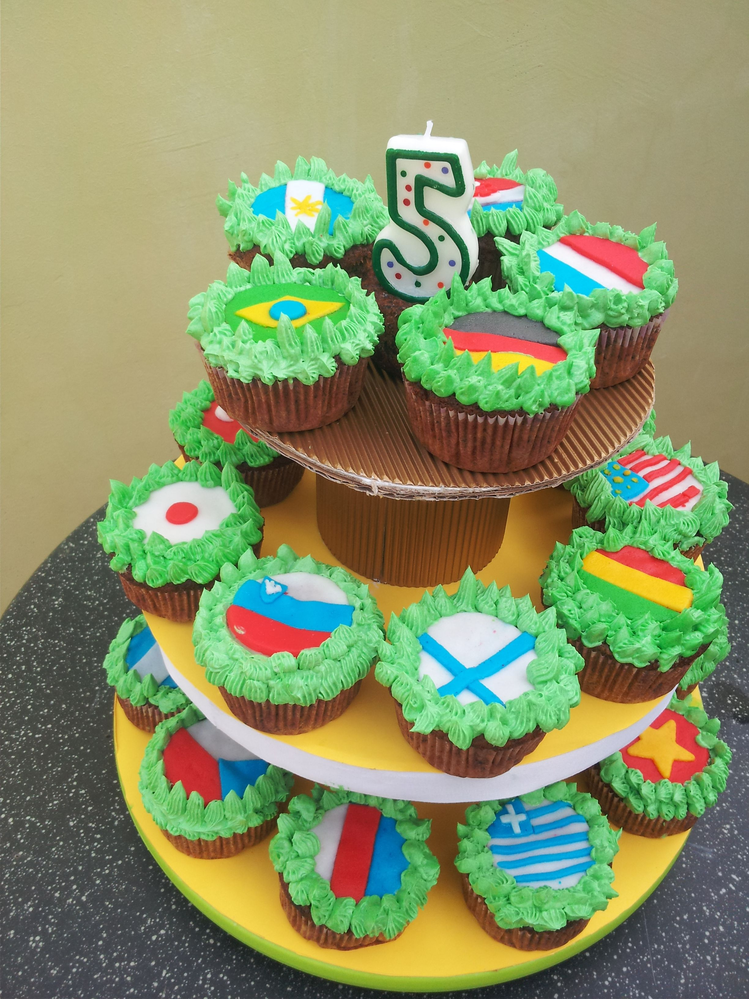 Cupcakes: World Cup FIFA flags | Birthday cakes | Pinterest
