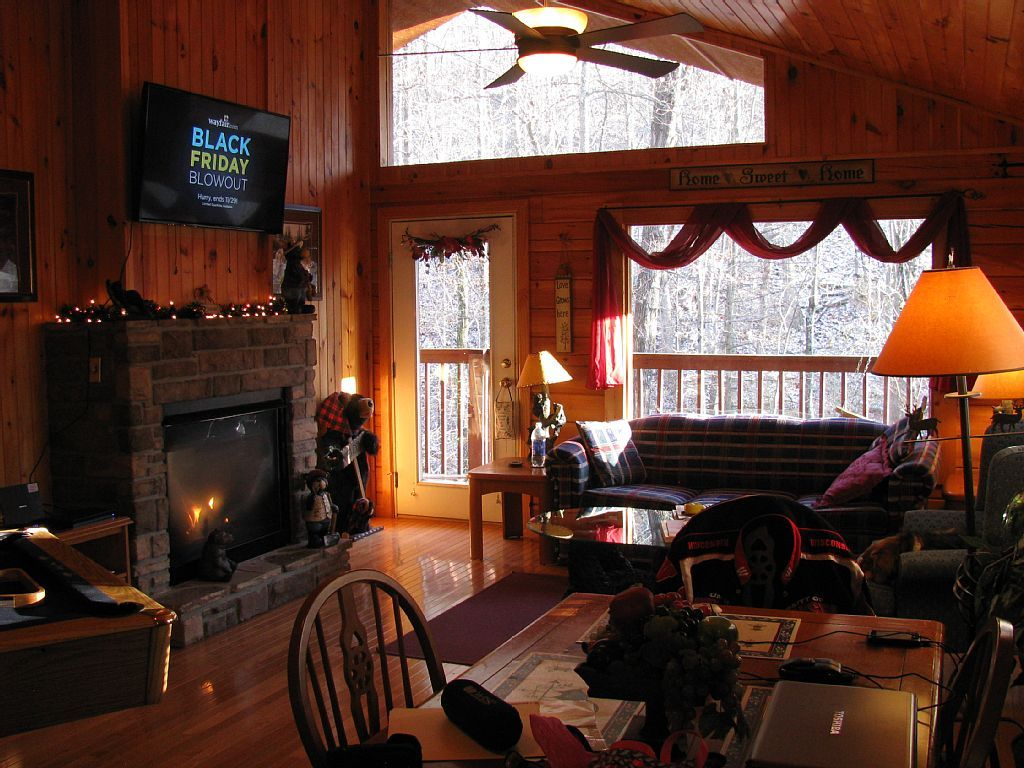 Beautifully Appointed Mountain Top Log Cabin Within Minutes Of  GatlinburgVacation Rental In Cobbly Nob From