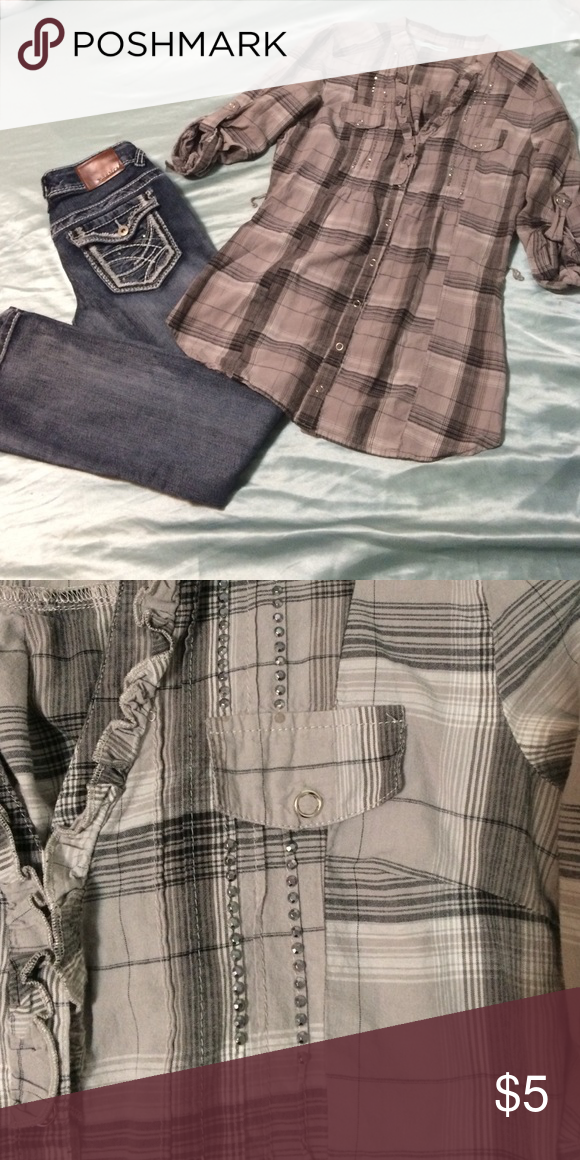 Maurice's Grey Plaid Top Grey plaid top perfect for fall. Missing two sequins on the left pocket as shown in photo. Not noticeable unless looking very closely :) Maurices Tops Blouses