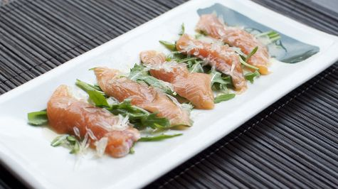 Taste of summer: rainbow #trout #sashimi with pomelo (use grapefruit as substitute) and miso dressing by David Wright and Kazu Kawada | #sustainable #food