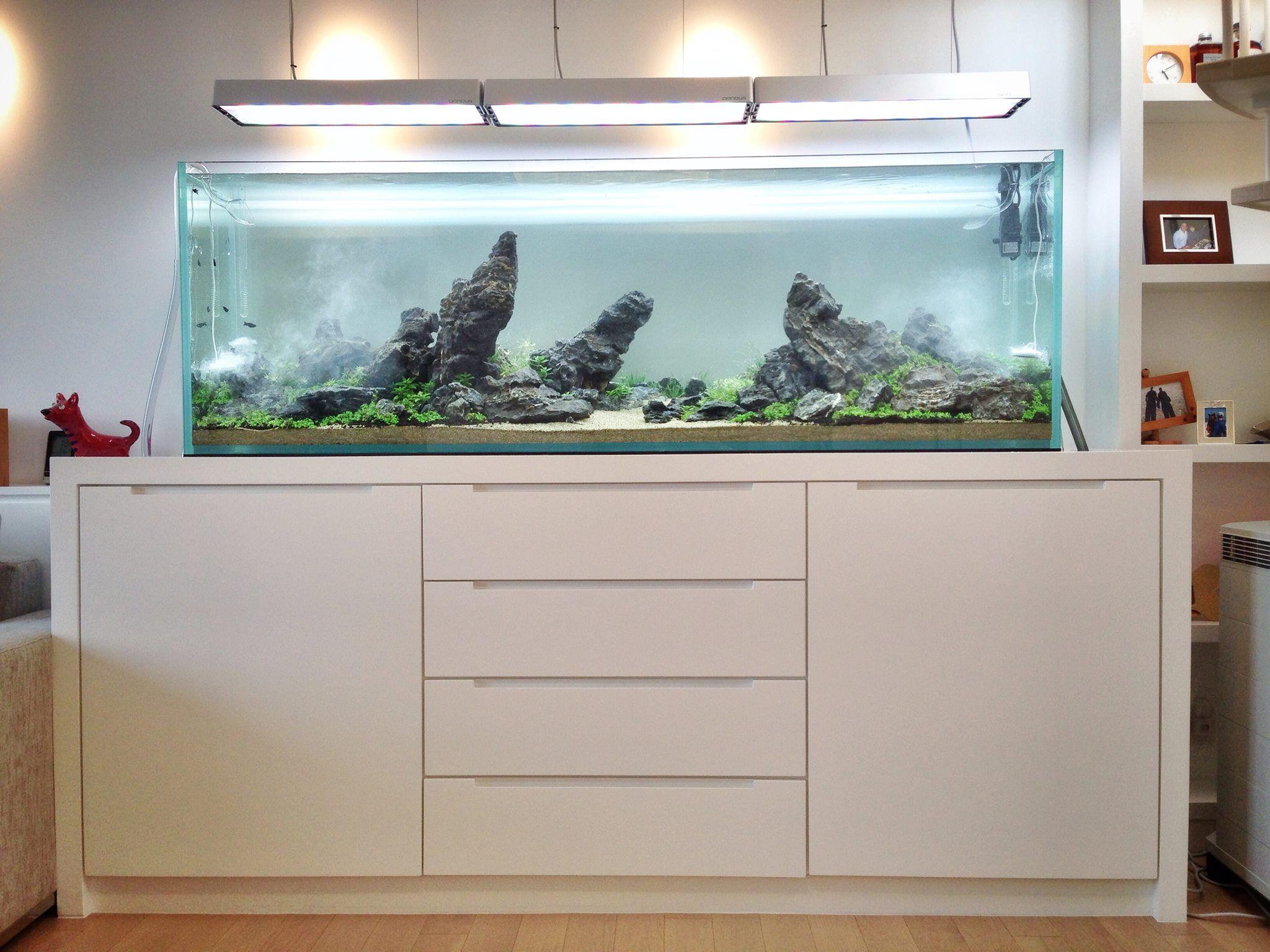 Móvel para aquário. Luminárias Opnova.