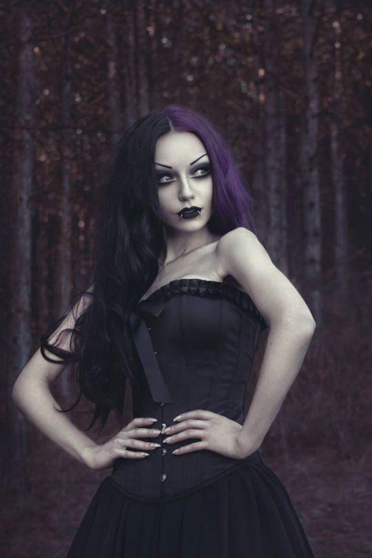 Photo/ Model/ MUA: Darya Goncharova Dress: Devilnight