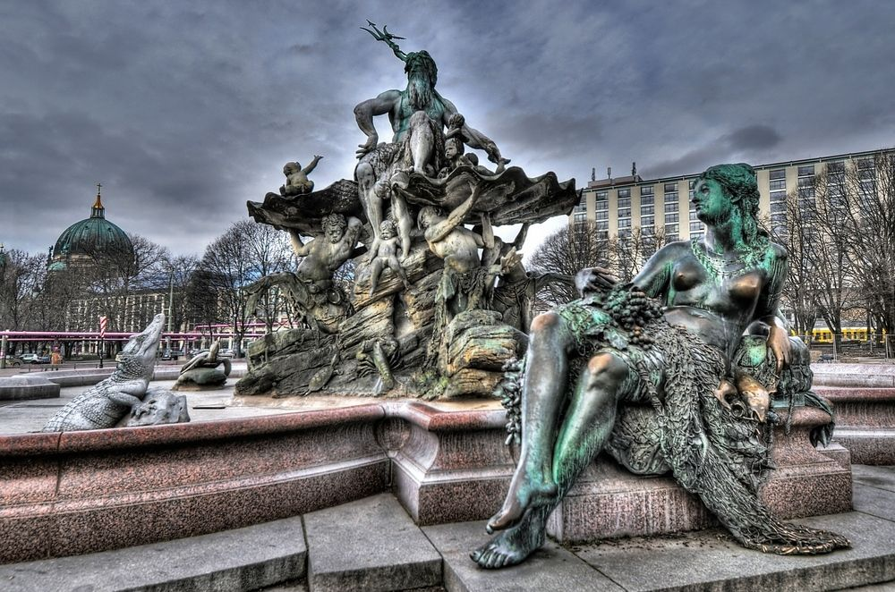 Brunnen am Alexanderplatz von Frank Koppe