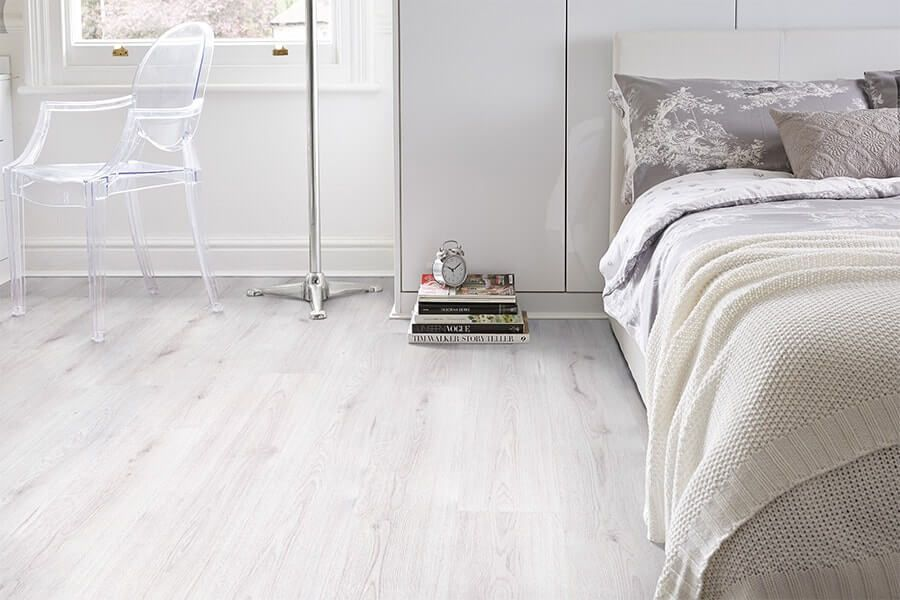 White Laminate Flooring Makeover In My Sisters Bedroom Modern White Flooring Ideas White Laminate Flooring Laminate Flooring Flooring