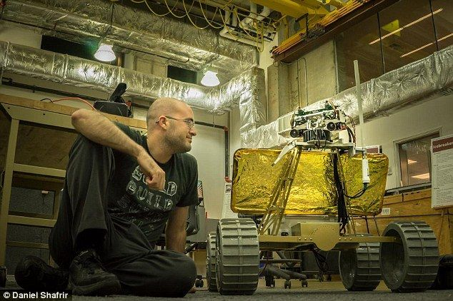 Robot set to land on the moon in 2016 contains stereo cameras which beam images to oculus rift headset on Earth