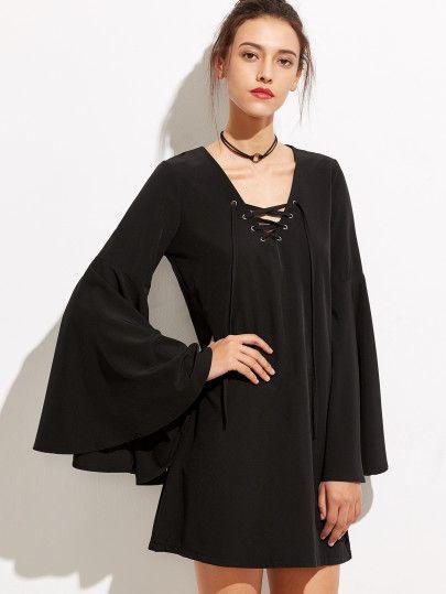 Vestido escote V con cordones manga acampanada - negro  89ad1af5887d