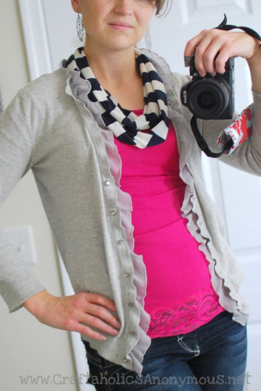 How to make an easy infinity scarf   She\'s Crafty   Pinterest ...