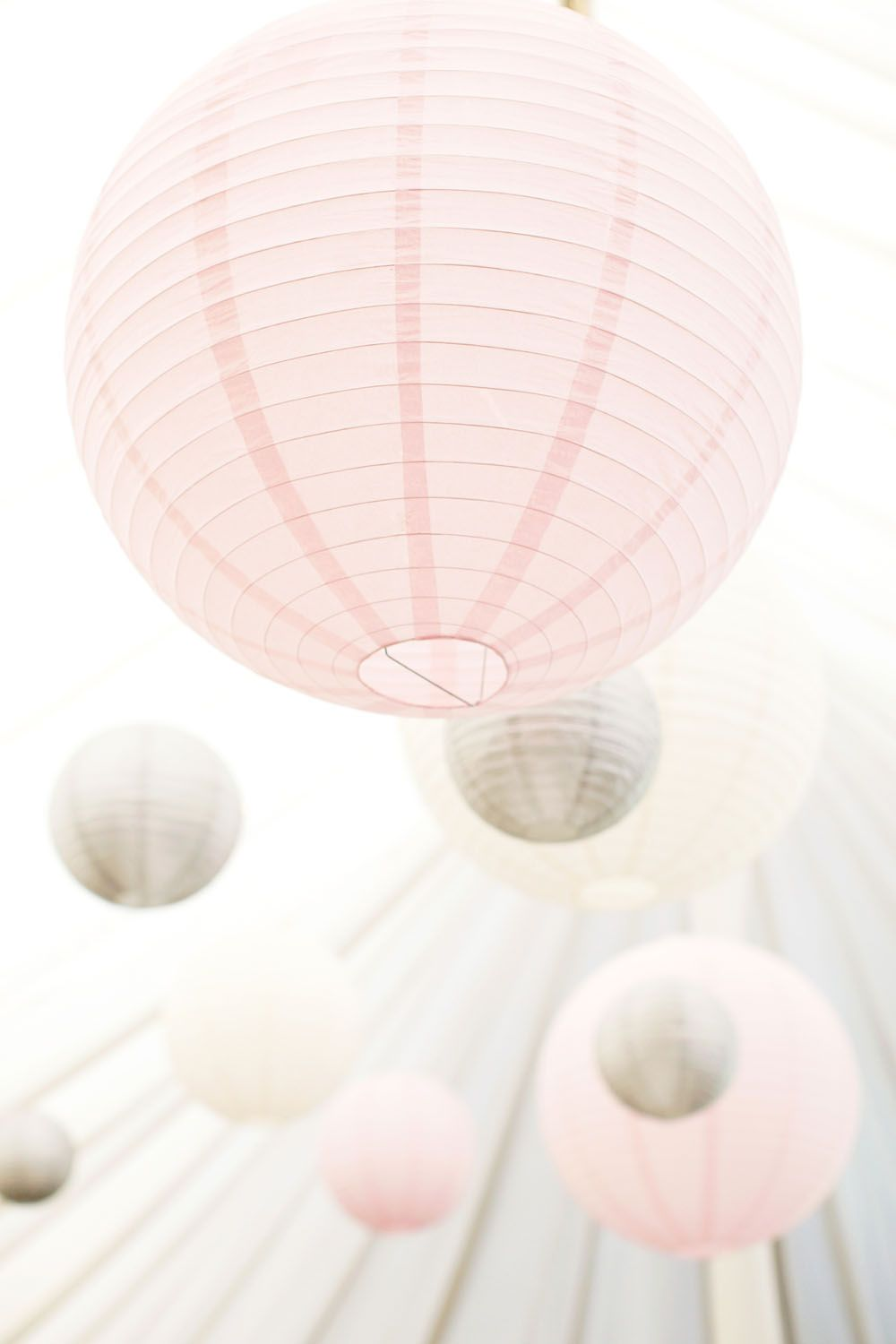 Silver, Pink & Ivory Paper Lanterns complimented Tori's beautiful Pink flowers at Middleton Lodge
