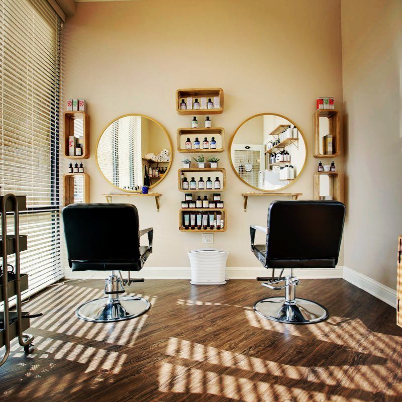 We Love The Simplicity Of This Salon Suite Design Modern And Functional Just What You Need Minus The Clut In 2020 Salon Suites Designs Home Salon Salon Interior