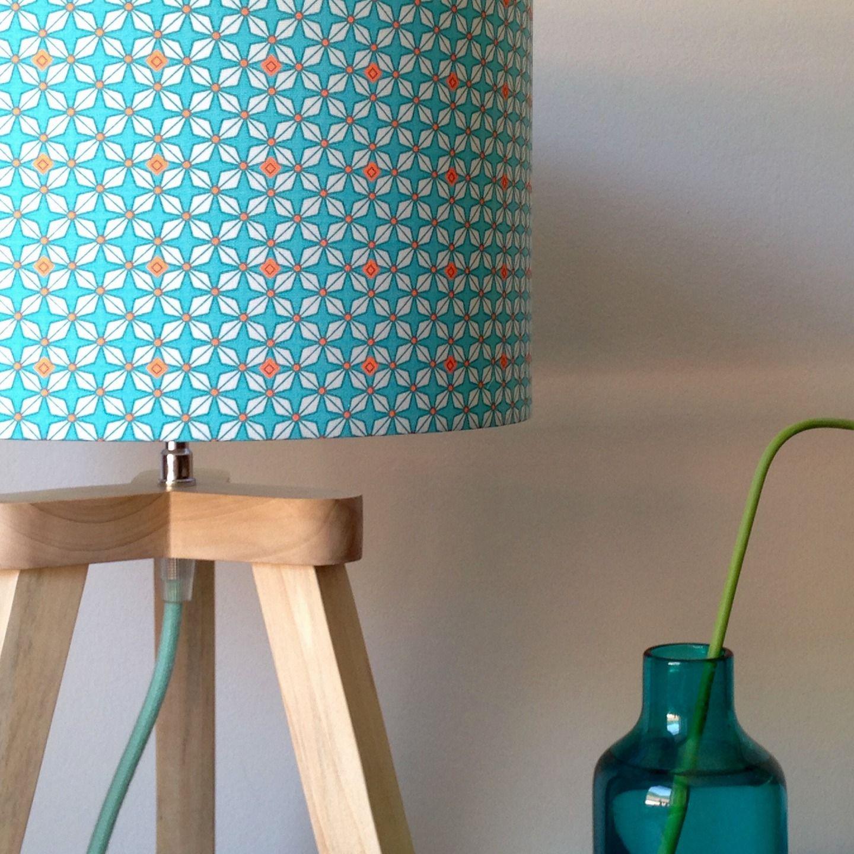Lampe trépied Hélium en bois massif et tissu Luminaires par