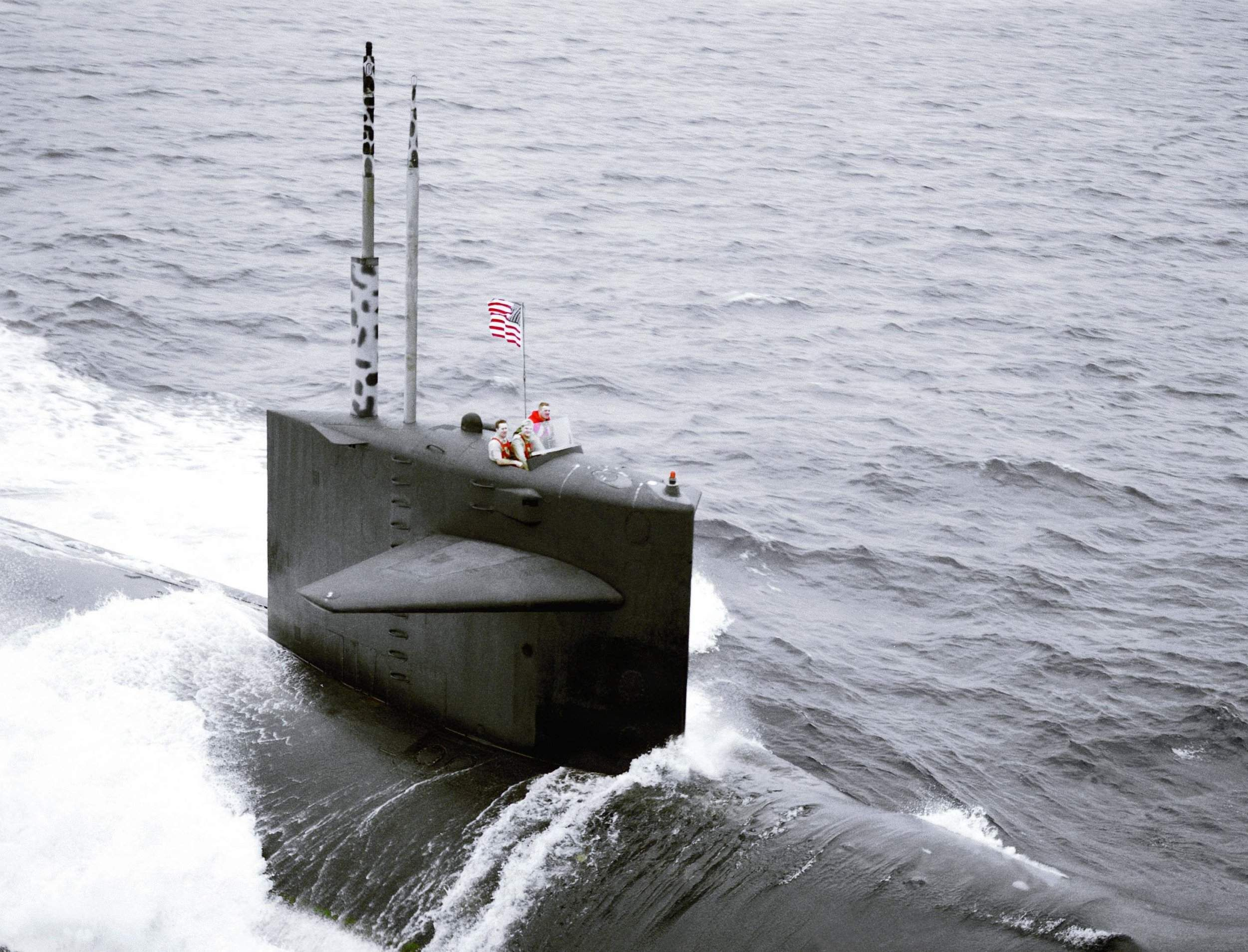 USS Haddock (SSN-621) underway on 6 June 1989.