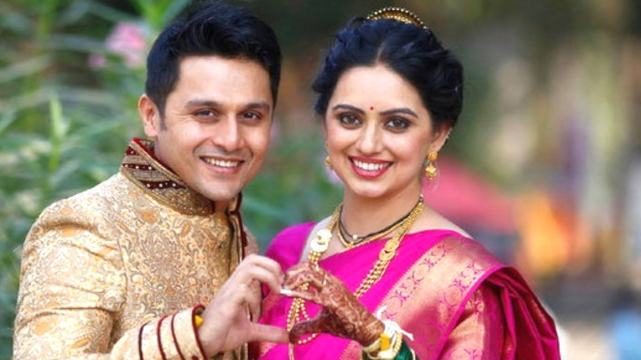 Marathi Couple | Wedding picture poses, Indian wedding couple ...