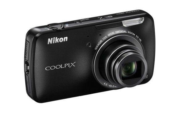 La Nikon Coolpix S800c es una cámara point & shoot de 16 megapixeles con Android que llegará en septiembre.