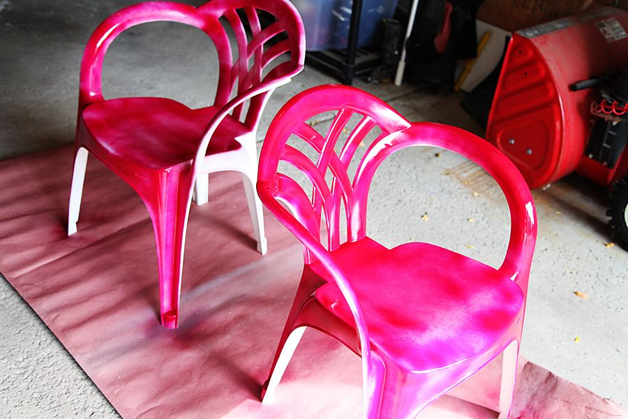Makeover Idea For Plain White Plastic Chairs Using Spray ...