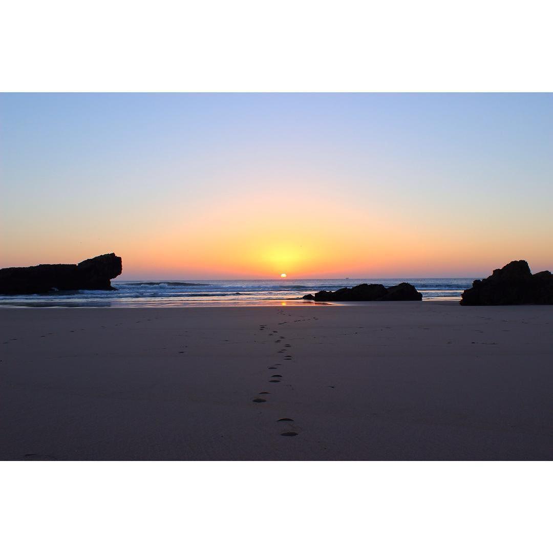 Bliss   #portugal #algarve #adventure #autumn #europe #eurotrip #travelgram #beach #ocean #sunset #instatravel #beautifulplaces #nature #worldplaces #worldwide_shot #wonderful_places #canon by ashleepaschke