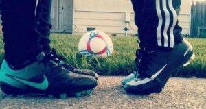 Parejas Enamoradas Con Pasion Por El Futbol Buscar Con Google