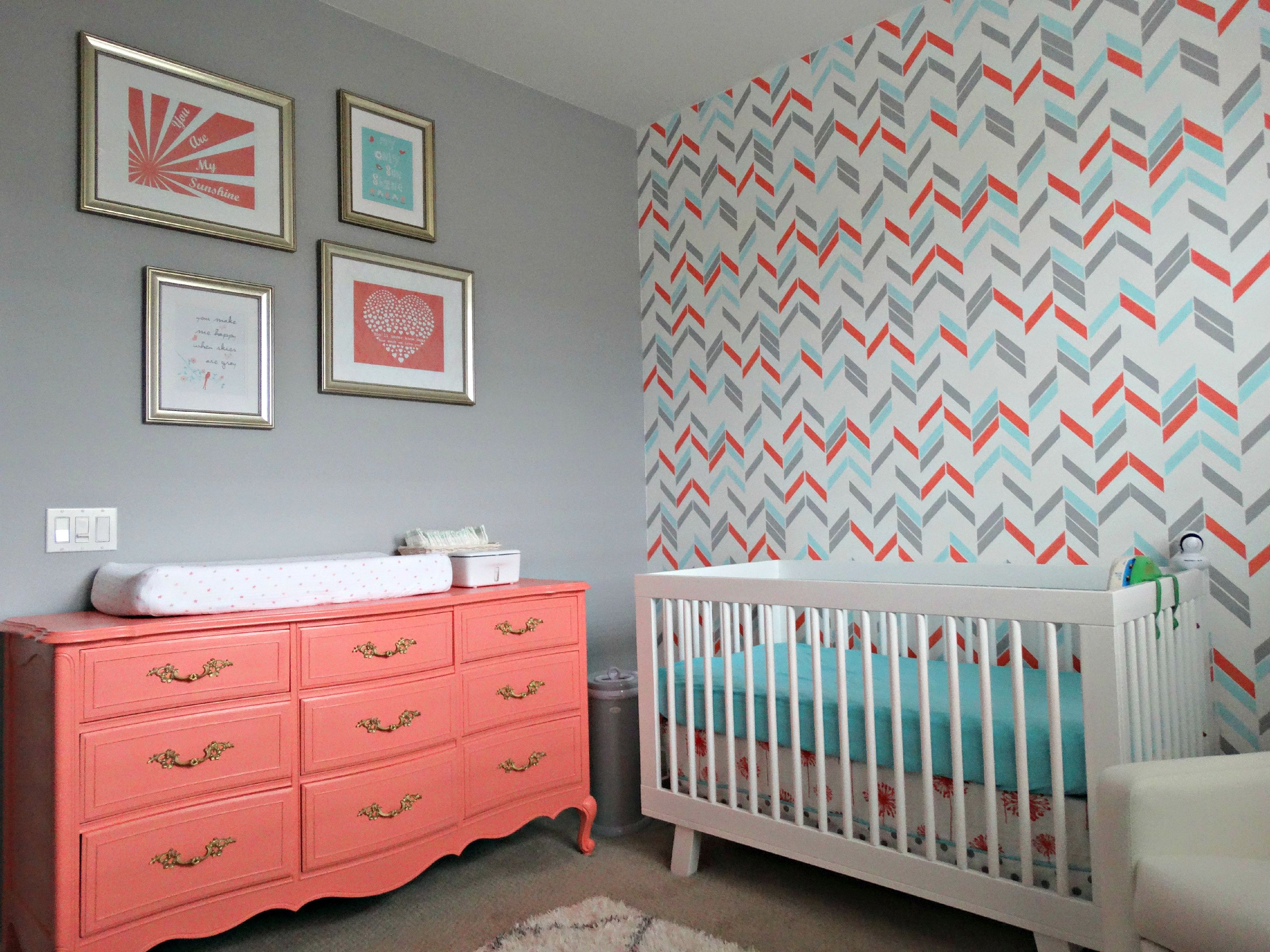 Noelle\'s Coral, Aqua and Gray Nursery with Gold Accents | Chambres ...