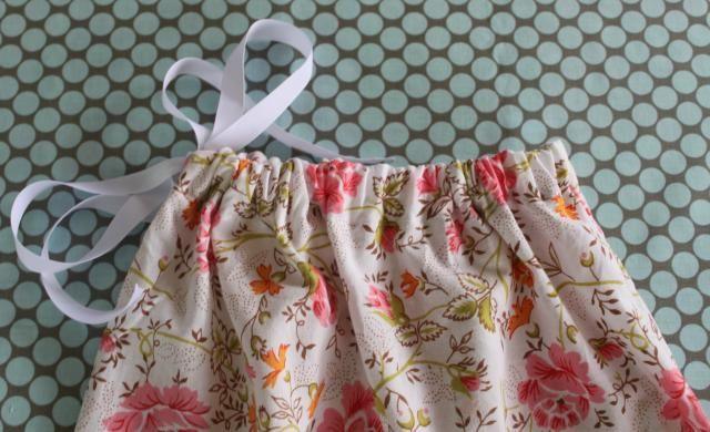 make a drawstring bag out of a pillow case perfect for a shoe box large inside but thin. Black Bedroom Furniture Sets. Home Design Ideas