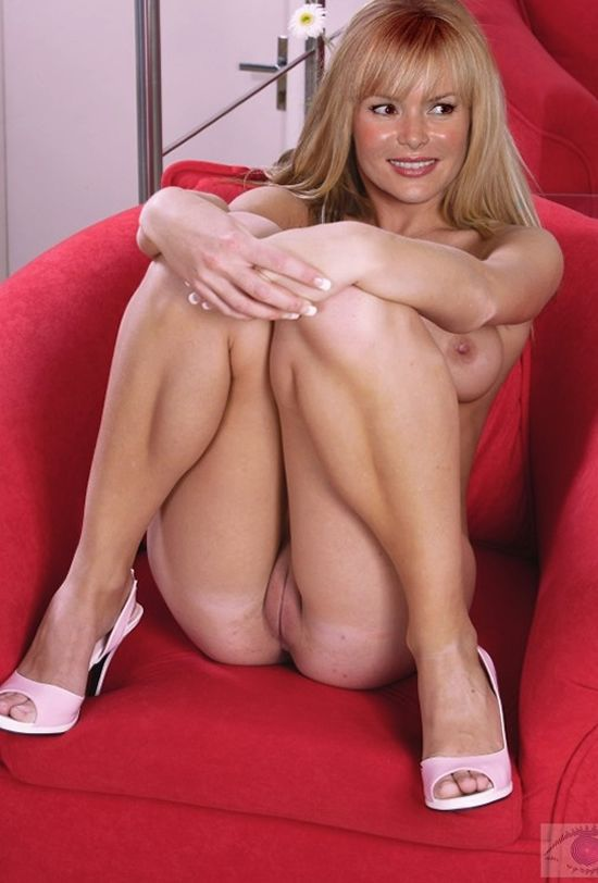 Free naked pics of amanda holden, naked women with cocks